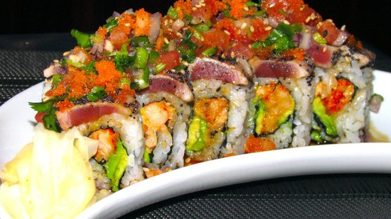 Pisces Sushi and Global Bistro: Sushi Roll