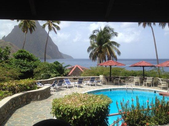 Hummingbird Beach Resort: Gorgeous View from the Bar