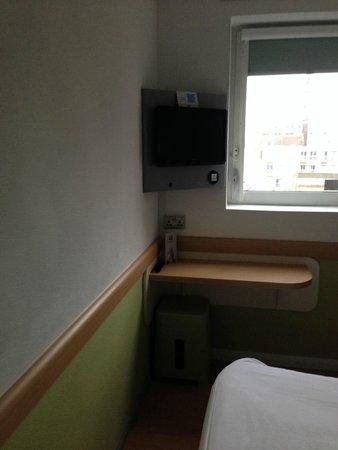 Hotel ibis budget London Whitechapel - Brick Lane : Desk