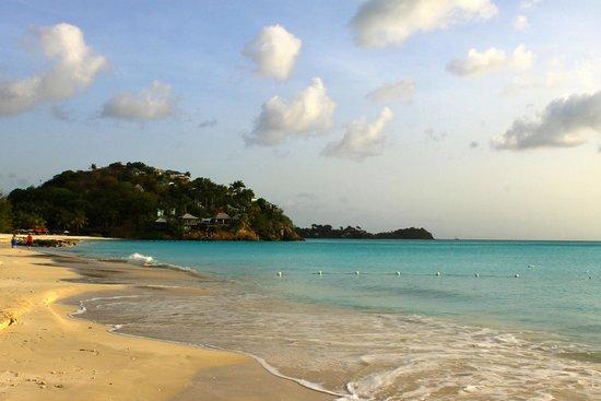 COCOS Hotel Antigua: cocos beach
