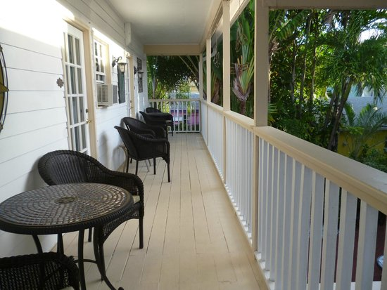 Sabal Palm House Bed and Breakfast Inn: courtyard
