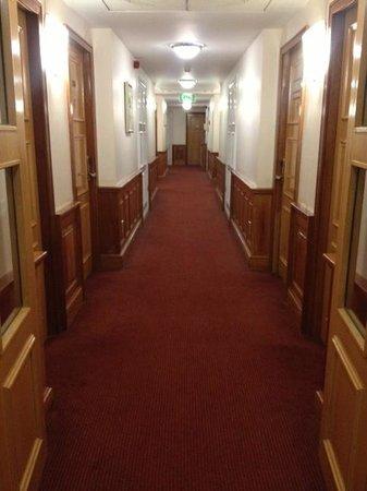 Red Cow Moran Hotel: Hallway