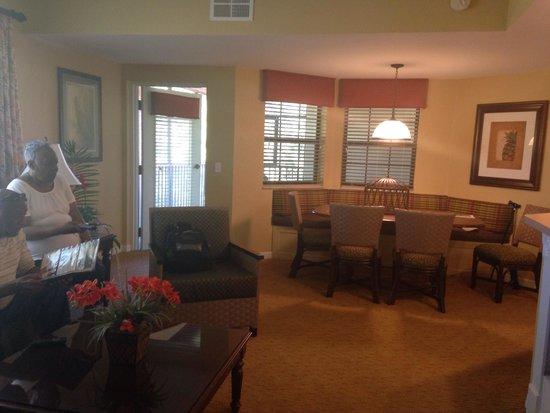 Holiday Inn Club Vacations At Orange Lake Resort: Dining area