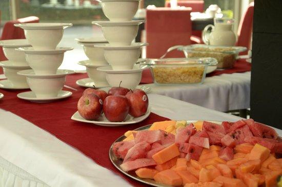 HOTEL CASA VICTORIA: Desayuno