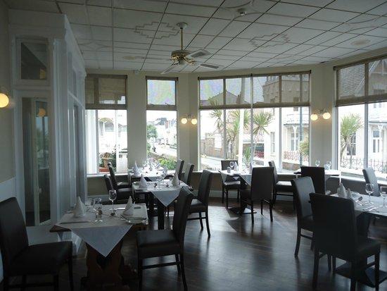 Ommaroo Hotel: Vue d'une des salles de restaurant