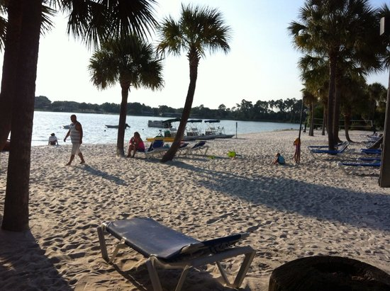 Holiday Inn Club Vacations At Orange Lake Resort: Beach area for water activities (no swimming)