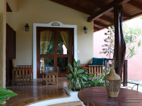 Hotel Luamey: The patio area of one of the front rooms.