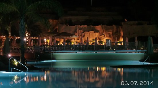 db Seabank Resort + Spa : Pool area by night