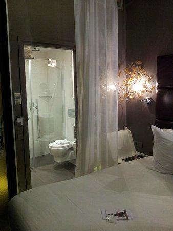 Legend Hotel by Elegancia : Habitación