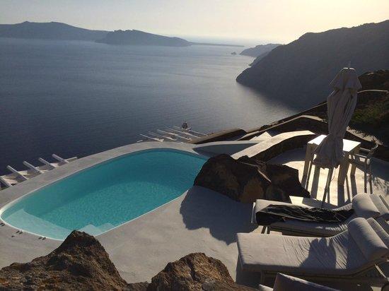 Aenaon Villas: private pool in villa emidali