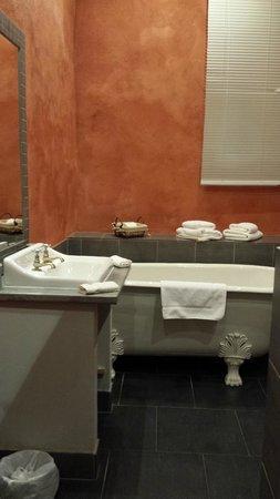 Le Couvent : Salle de bain