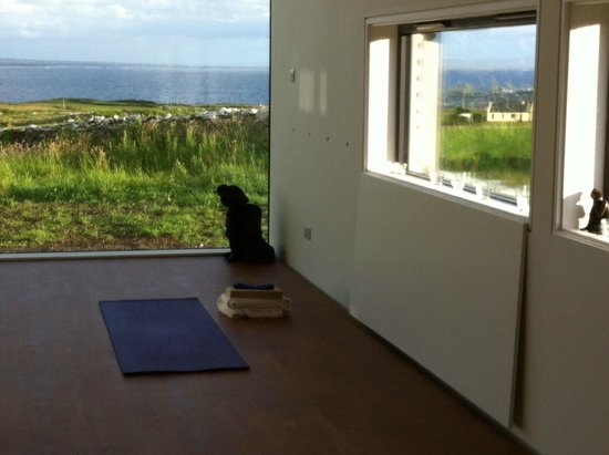 The Cliffs of Moher Retreat: Every window a picture postcard