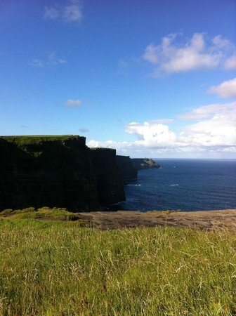 The Cliffs of Moher Retreat: Cliffs of Moher walking