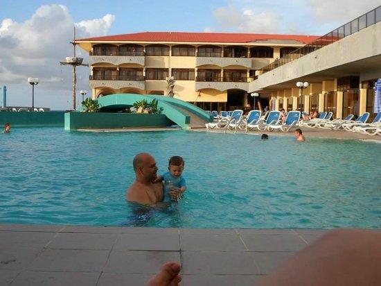 Be Live Havana City Copacabana: en la piscina
