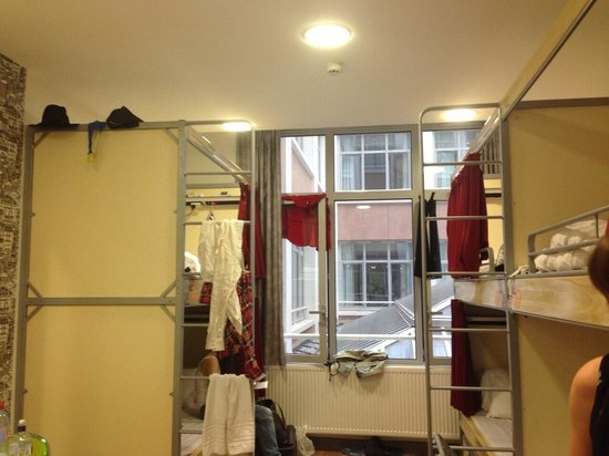 St Christopher's Gare du Nord Paris: 6 bed female dorm