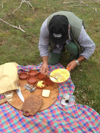 Wild Foods Italy: Luca Cooking Eggs with Our Truffles