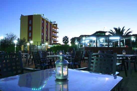 Hotel Zeus: TERRAZA DEL HOTEL