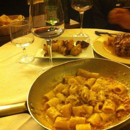 Taverna Trilussa: Jantar