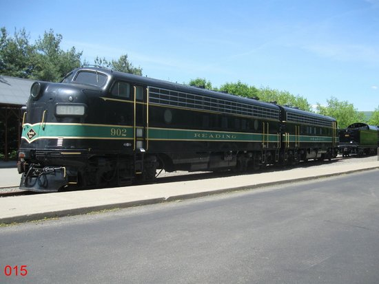Steamtown National Historic Site : Display Locomotive By The Car Park