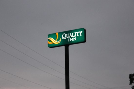 Quality Inn Cairo Mounds: Quality Inn serves it guests everywhere in teh nation