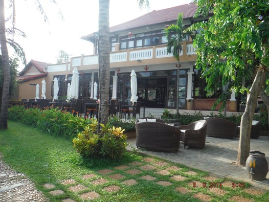 Vinh Hung Riverside Resort : Nice place to eat by the river