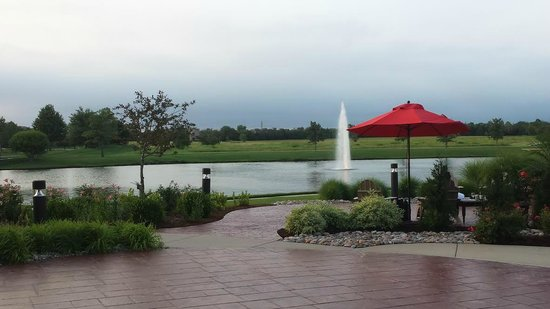 Homewood Suites by Hilton @ The Waterfront: Water feature