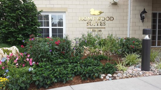 Homewood Suites by Hilton @ The Waterfront: Front of hotel