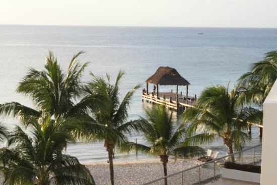 5th Avenue (Avenida 5): room view of the dock