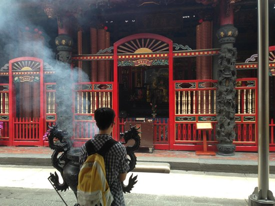 Topology Travel- Travel in Real Taiwan (Private Tour): LongShan Temple