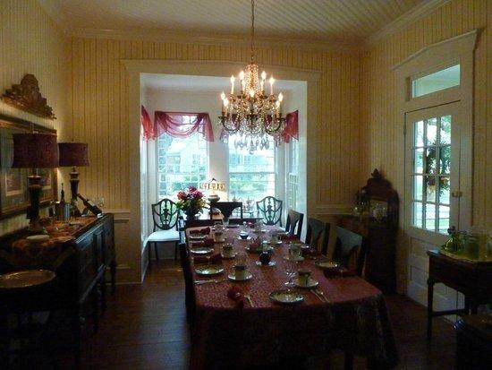 Robert Ruark Inn: Dining Room