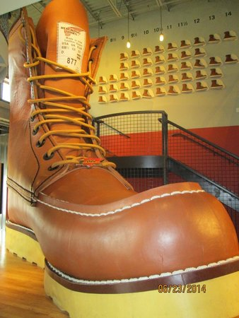 Red Wing Shoe Store & Museum : This is one BIG shoe!