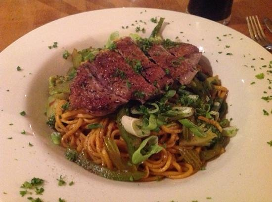 Beresford Hotel : restaurant - Duck breast and Asian noodles. Lovely.