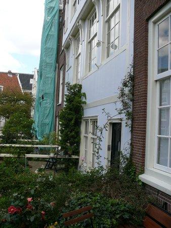 Amsterdam Museum: Садик и дворик бегинки