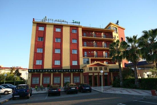 Hotel Zeus: FACHADA