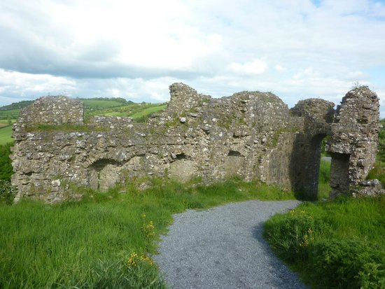 Rock of Dunamase: The Inside Ruins Of The Barbican Gate