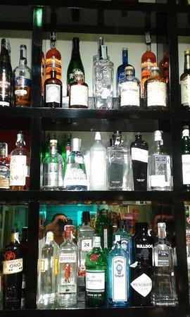 Pi di 30 tipi diversi di gin over 30 different types of gin picture of caffe ristretto - Diversi tipi di caffe ...