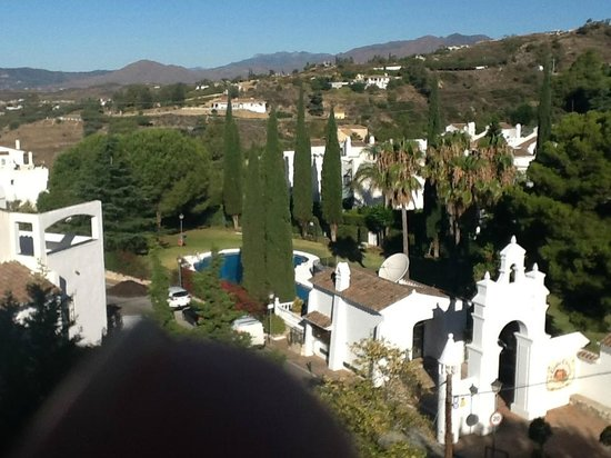 Hacienda Puerta del Sol: View from room 325 looking over front entance.