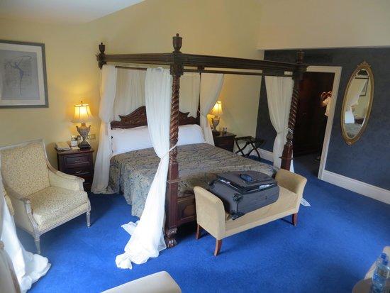Muckross Park Hotel & Spa: Room 235 - Very nice