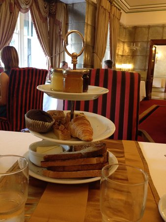Muckross Park Hotel & Spa: Breakfast Pastries
