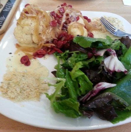 BREW Pub & Kitchen: Roasted Cauliflower entree.