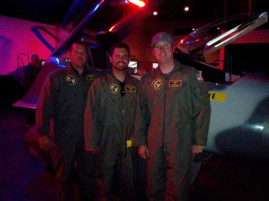 Flightdeck Flight Simulation Center: Brothers
