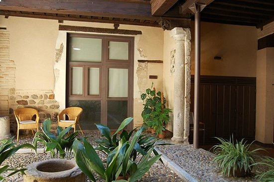 Casa de los Mozarabes: Patio / Courtyard