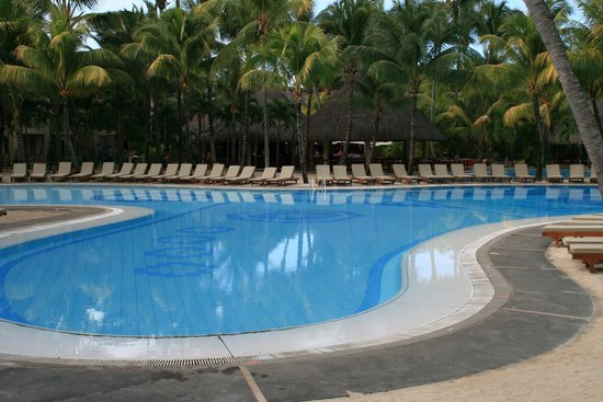 Canonnier Beachcomber Golf Resort & Spa: piscina