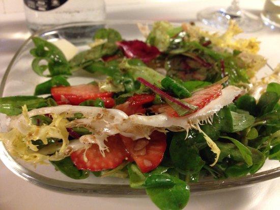 Tapeo: Strawberry Green sallad
