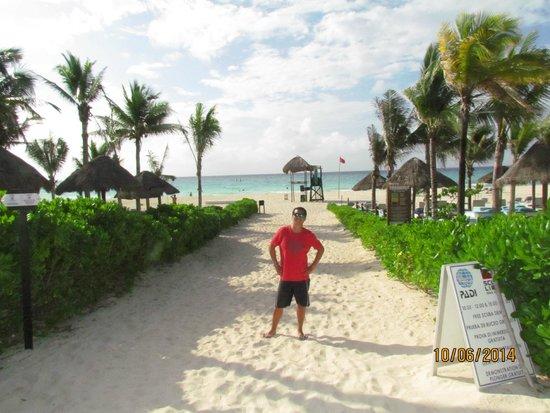 Sandos Playacar Beach Resort : Camino a la Playa
