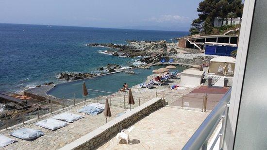Hotel Les Roches Rouges: piscine d'eau de mer