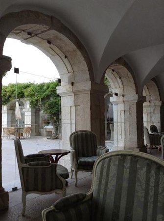 Pousada de Palmela Historic Hotel: lovely place to read!