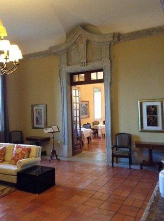 Pousada de Palmela Historic Hotel: entrance to the dining room