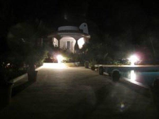 Oasi di Casablanca Hotel : La camera di notte