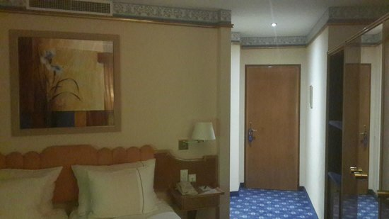 Best Western Plus Hotel Mirabeau: Room